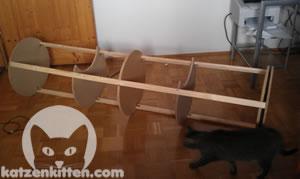 wie du eine g nstige kratztonne selber bauen kannst. Black Bedroom Furniture Sets. Home Design Ideas